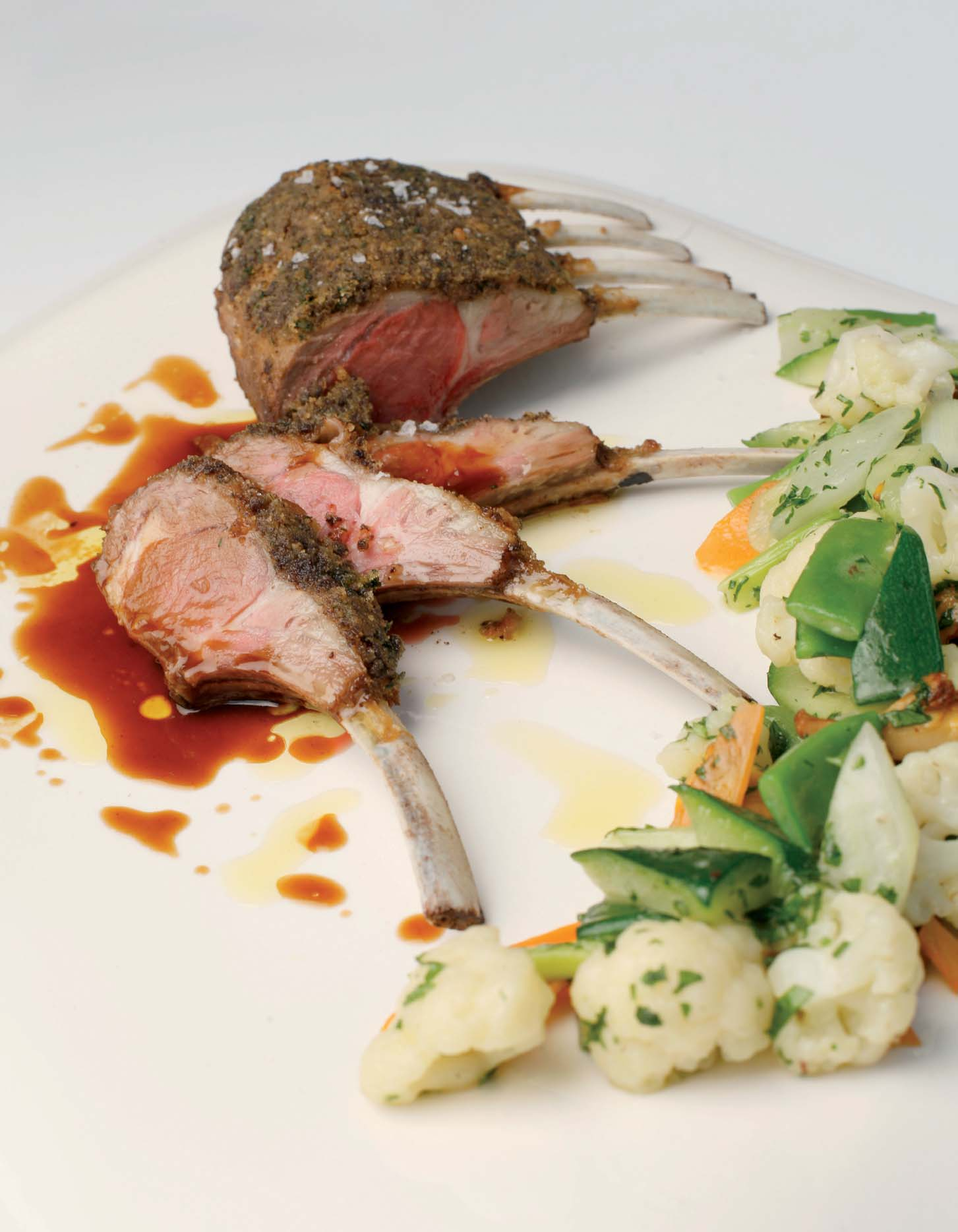 Rack of lamb in olive crust with Mallorcan olive oil - Recipes - Gastronomy - Balearic Islands - Agrifoodstuffs, designations of origin and Balearic gastronomy